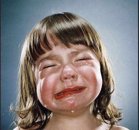 欧美可爱小孩哭图片