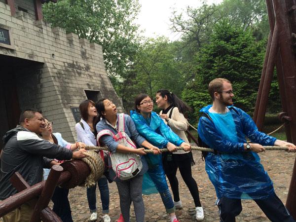 沧州市道恩国际语言学校外教户外活动