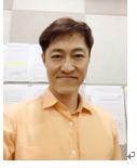 韩国本科外教的照片