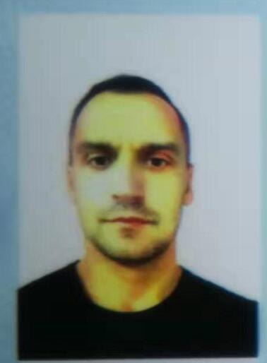 塞尔维亚硕士外教的照片