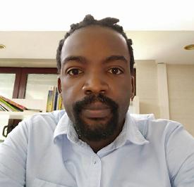 津巴布韦本科外教的照片